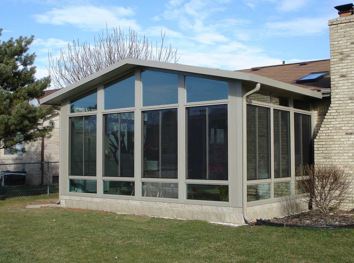 Sunroom in Long Island New York with gable roof